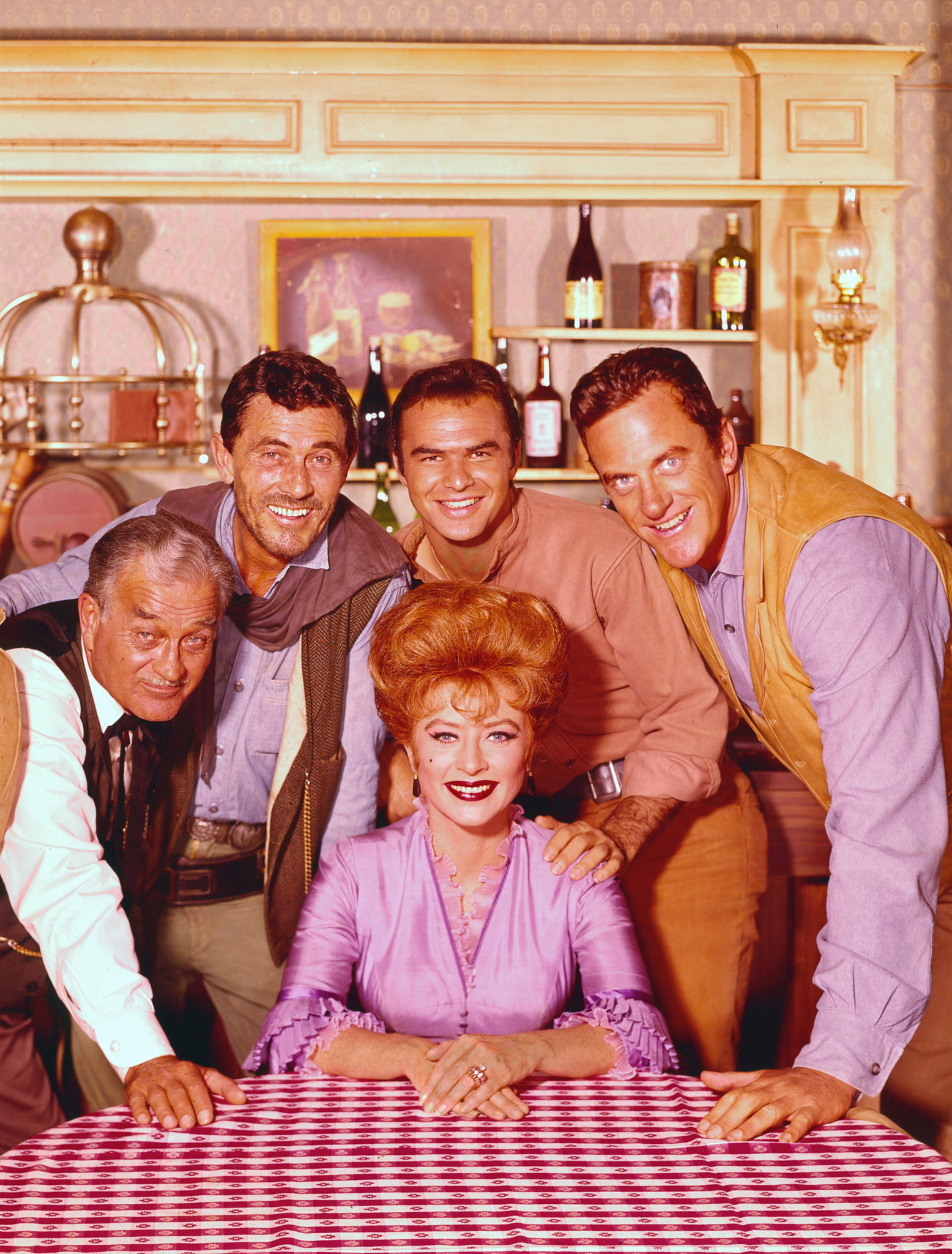 Still of Burt Reynolds, James Arness, Amanda Blake, Ken Curtis and Milburn Stone in Gunsmoke (1955)