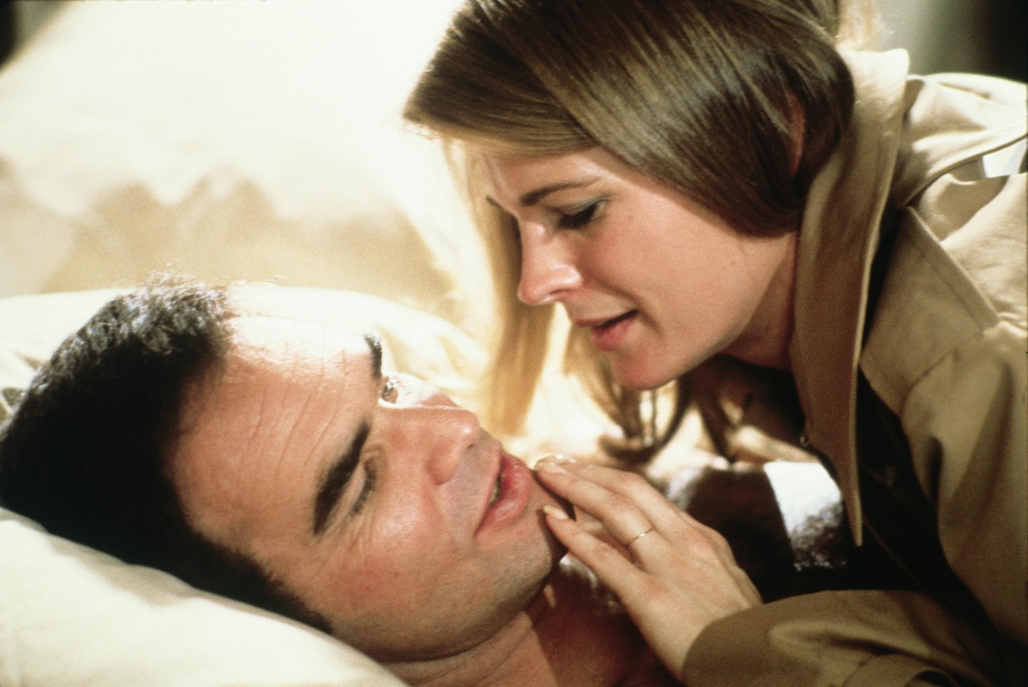 Still of Candice Bergen and Burt Reynolds in Starting Over (1979)