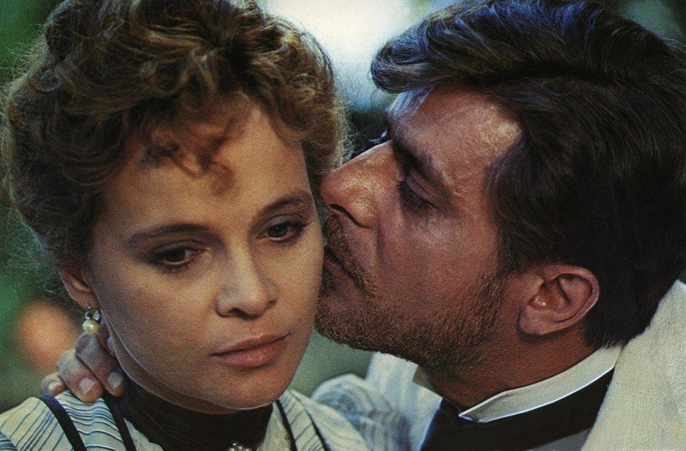 Laura Antonelli and Giancarlo Giannini in L'innocente (1976)