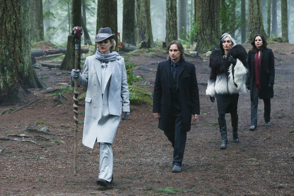Still of Robert Carlyle, Kristin Bauer van Straten, Lana Parrilla and Victoria Smurfit in Once Upon a Time (2011)