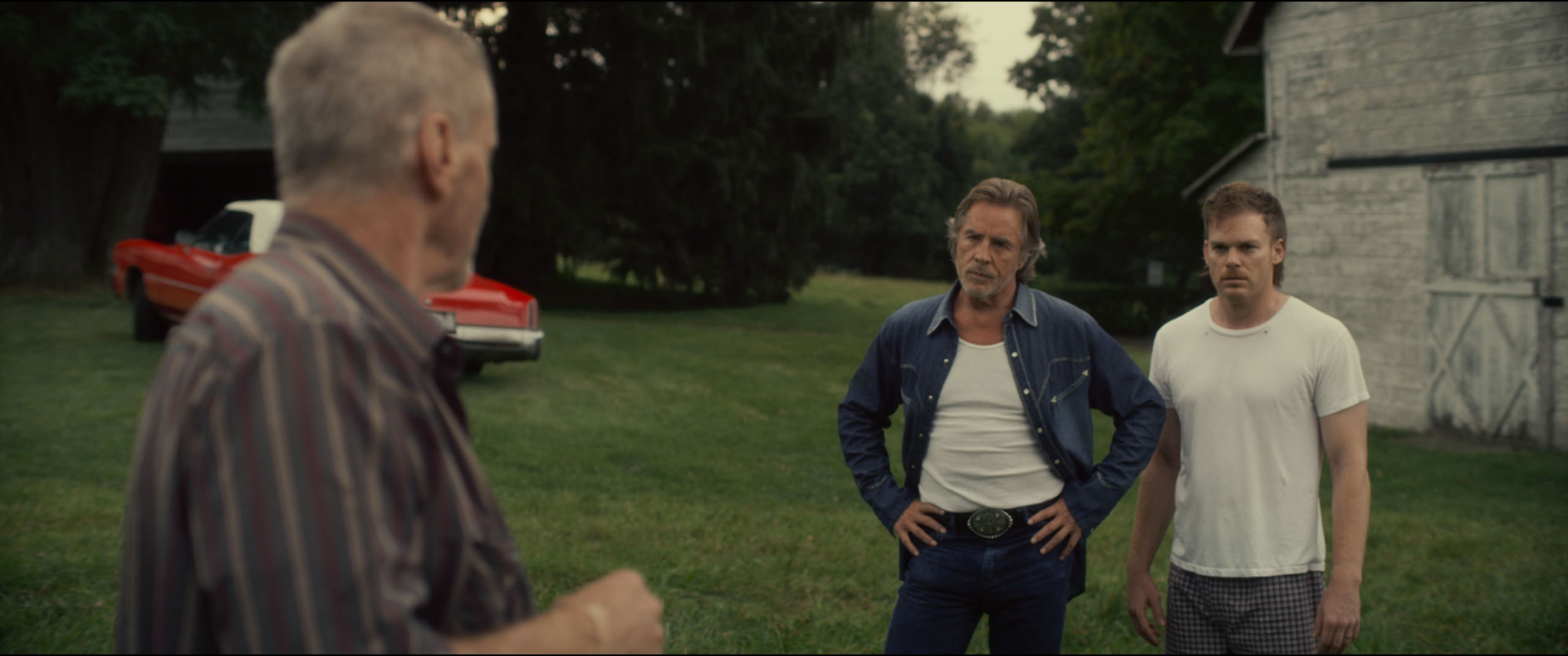 Still of Sam Shepard and Michael C. Hall in Cold in July (2014)