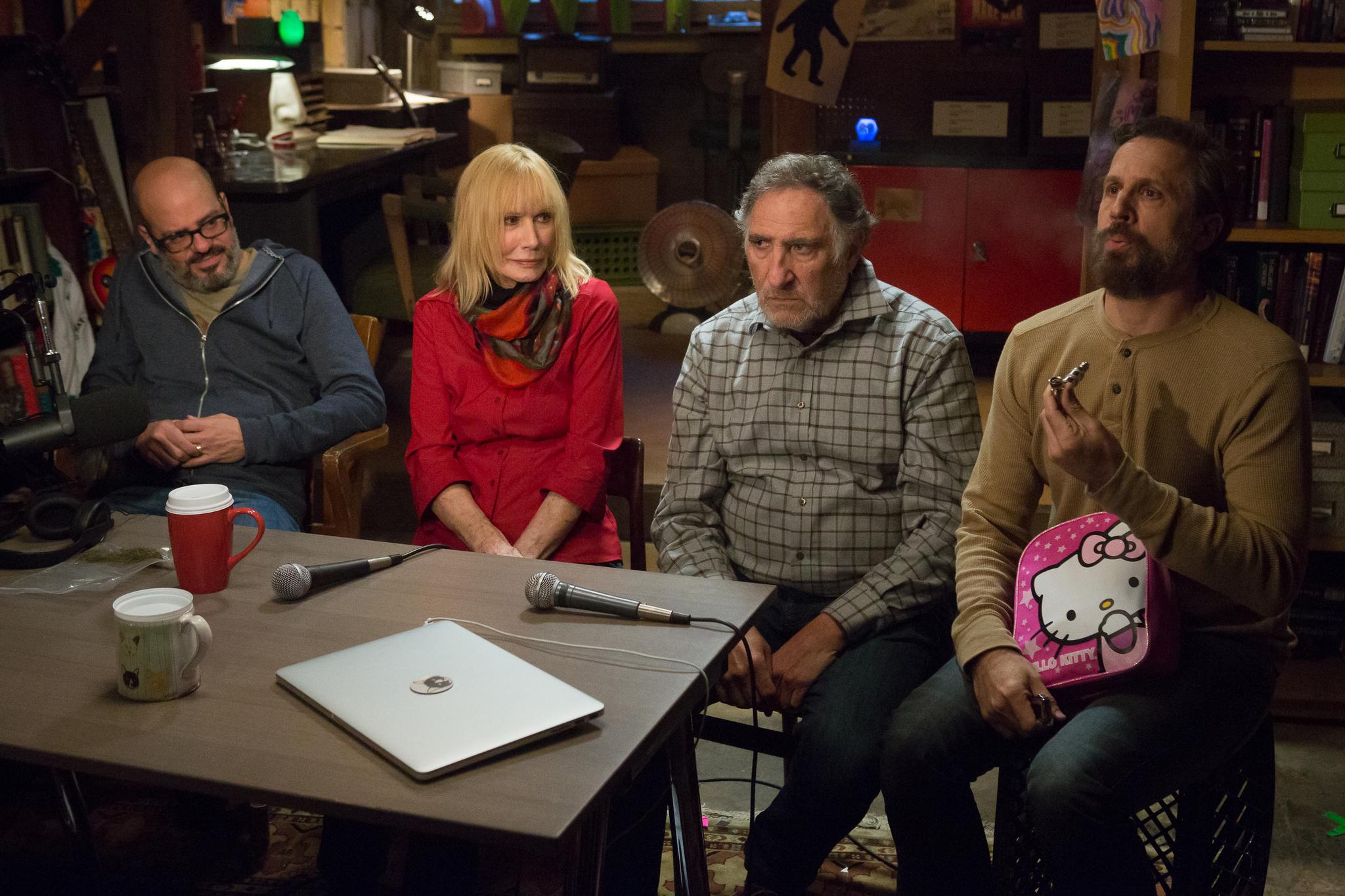 Still of Sally Kellerman, Judd Hirsch, David Cross and Troy Ruptash in Maron (2013)