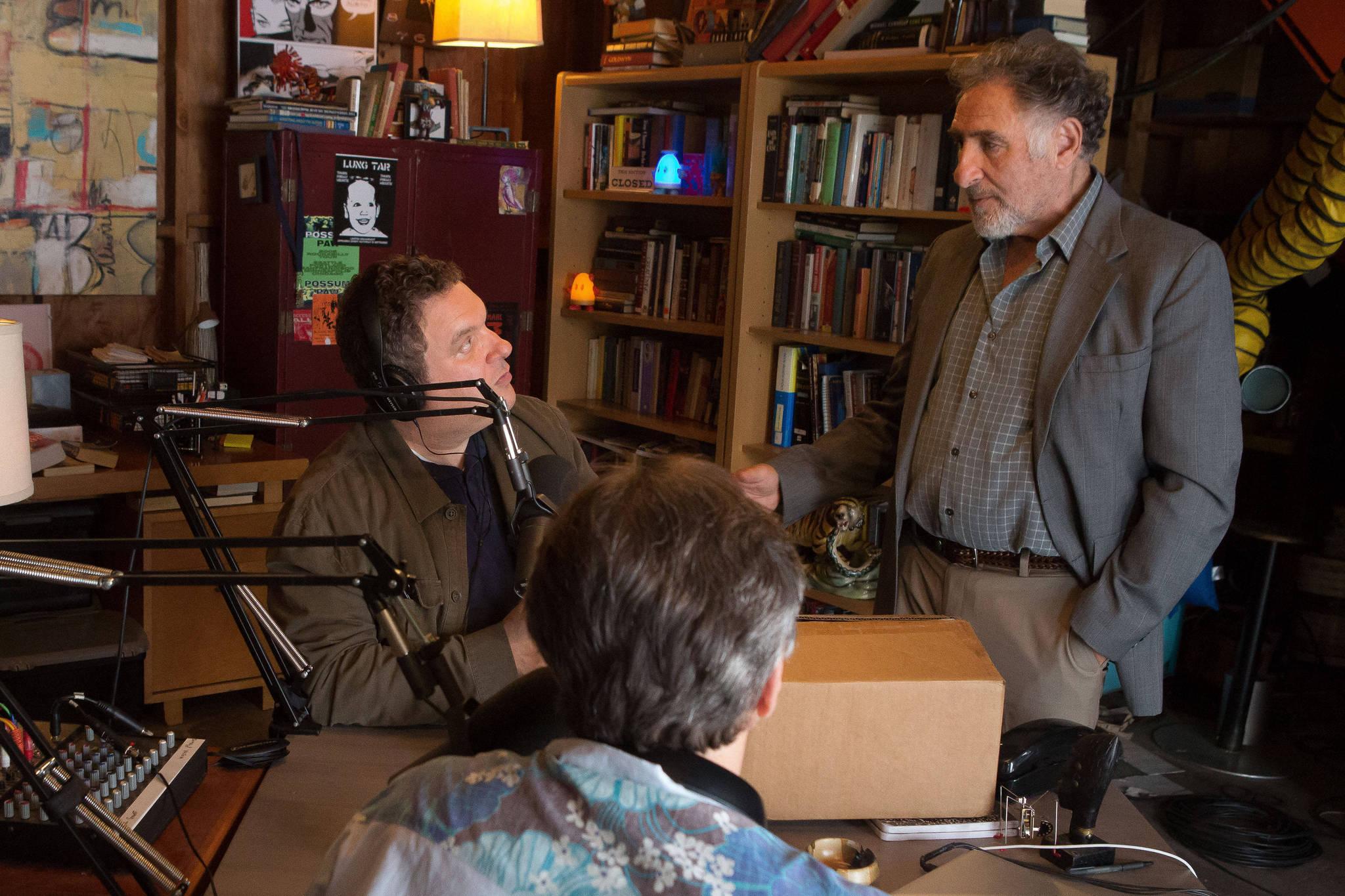 Still of Judd Hirsch, Jeff Garlin and Marc Maron in Maron (2013)