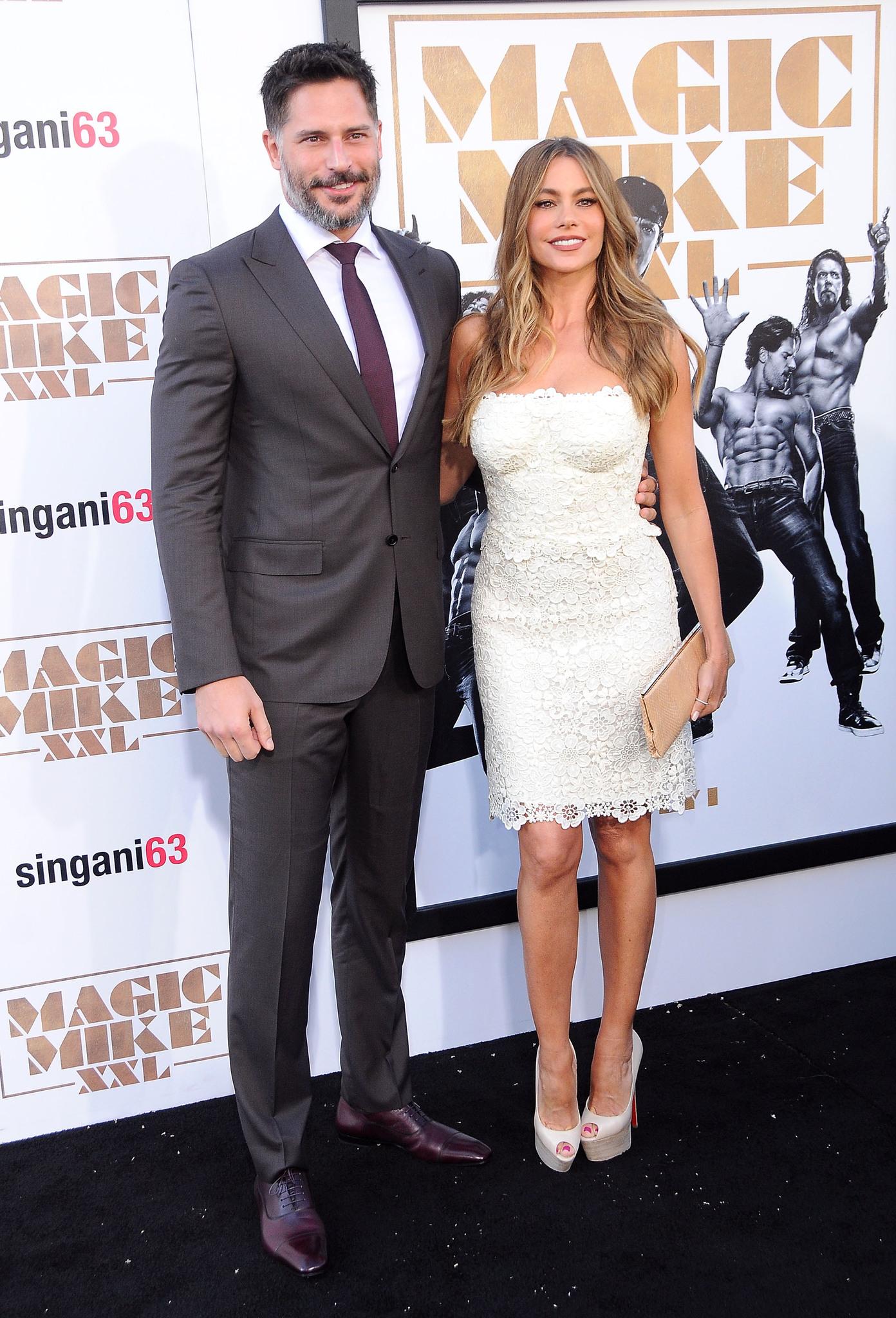 Sofía Vergara and Joe Manganiello at event of Magiskasis Maikas XXL (2015)