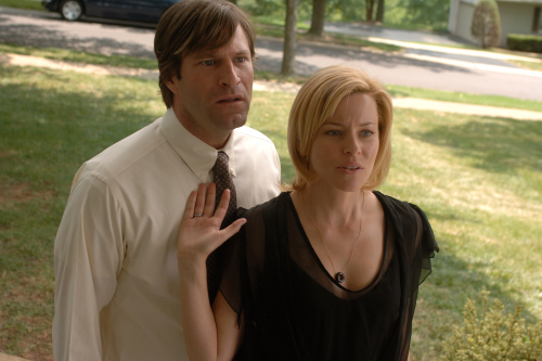 Still of Aaron Eckhart and Elizabeth Banks in Bill (2007)