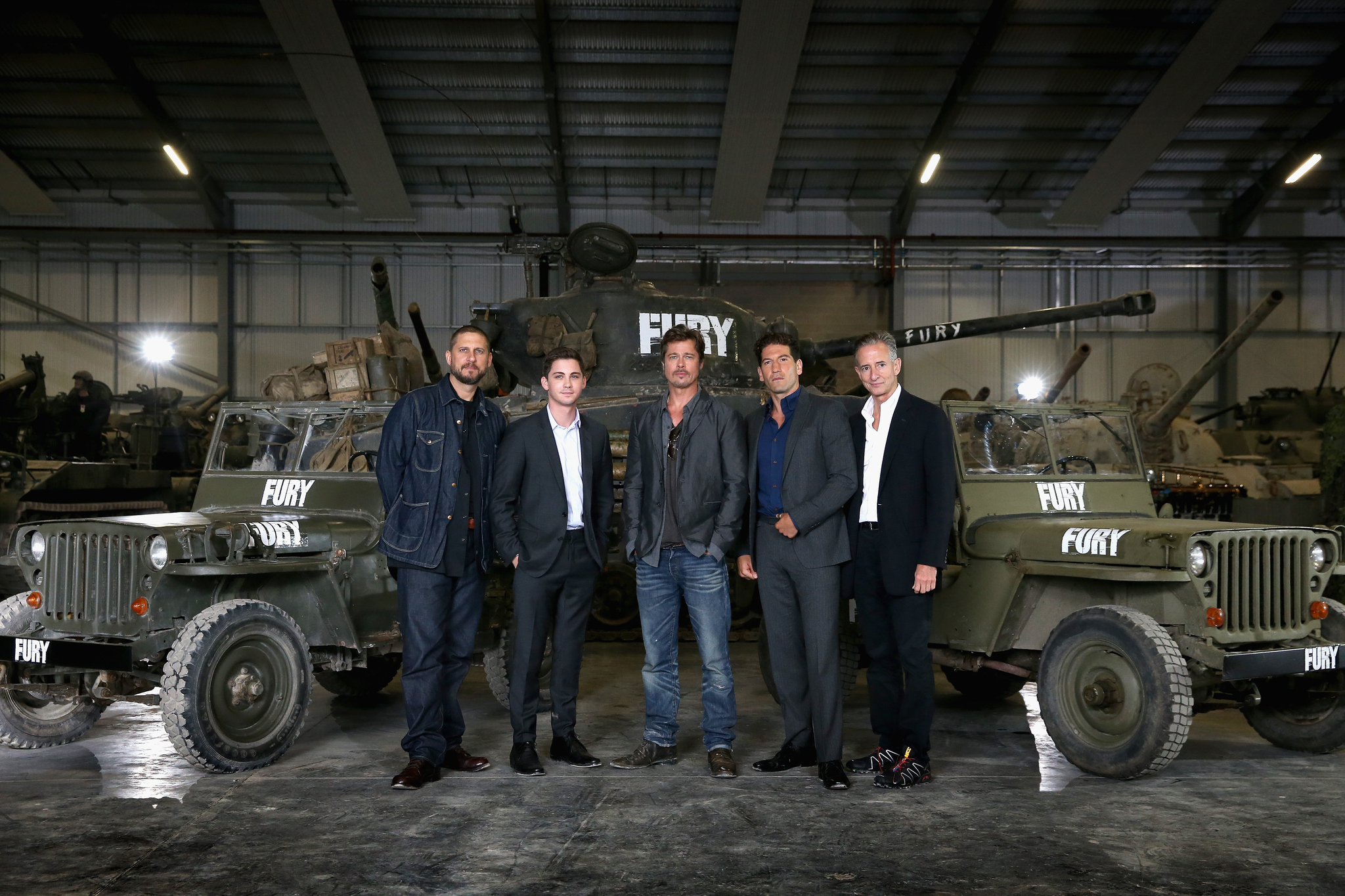 Brad Pitt, David Ayer, Logan Lerman, Bill Block and Jon Bernthal at event of Inirsis (2014)