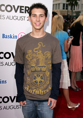 Justin Berfield at event of Undiscovered (2005)
