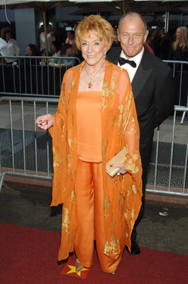 Corbin Bernsen and Jeanne Cooper at event of The 32nd Annual Daytime Emmy Awards (2005)