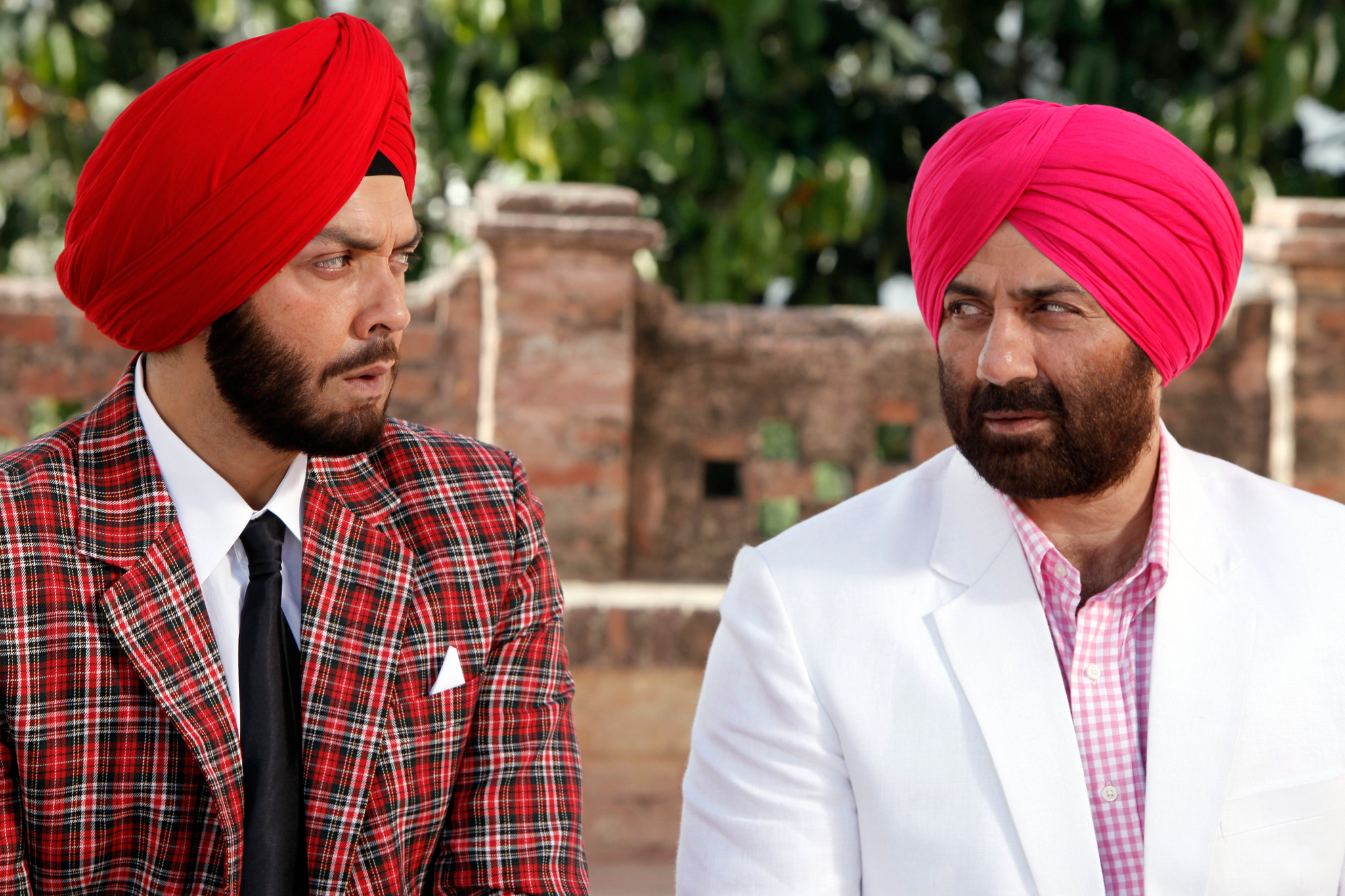 Still of Bobby Deol and Sunny Deol in Yamla Pagla Deewana (2011)