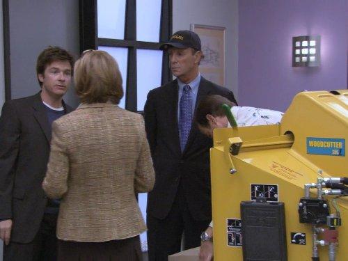 Still of Jason Bateman, Bob Einstein and Jessica Walter in Arrested Development (2003)