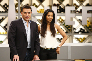 Still of Padma Lakshmi and Todd English in Top Chef (2006)