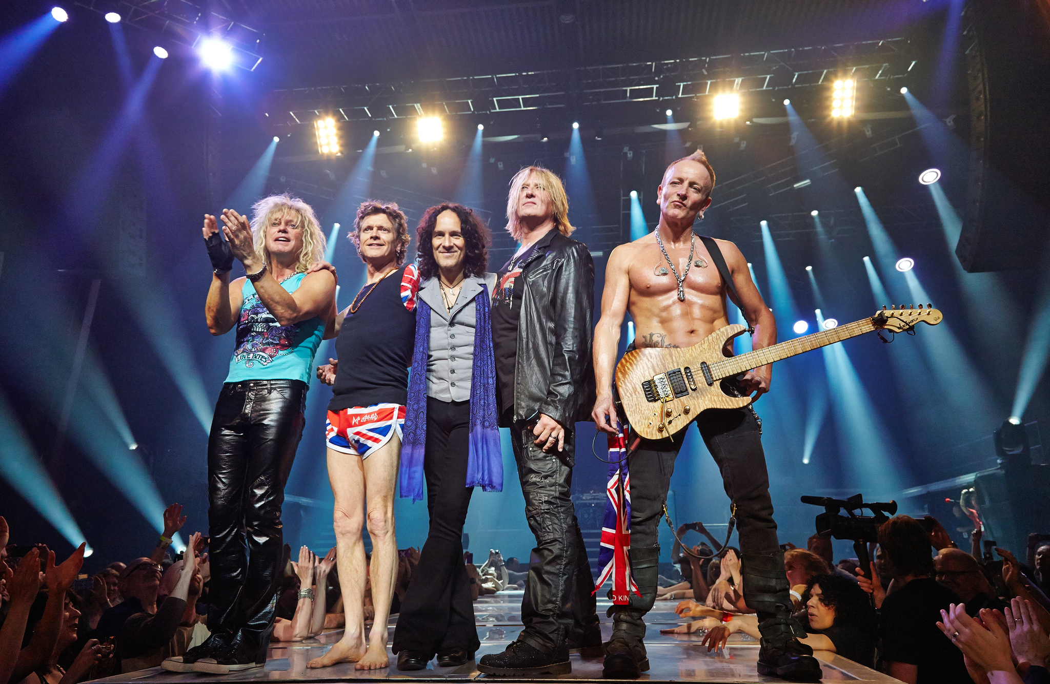 Still of Joe Elliott, Vivian Campbell, Rick Allen, Rick Savage and Phil Collen in Def Leppard Viva! Hysteria Concert (2013)