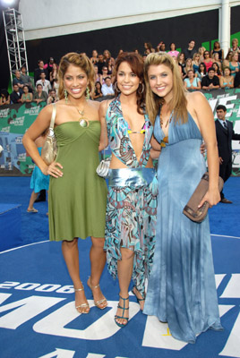 Valery M. Ortiz, Gabrielle Christian and Mandy Musgrave at event of 2006 MTV Movie Awards (2006)