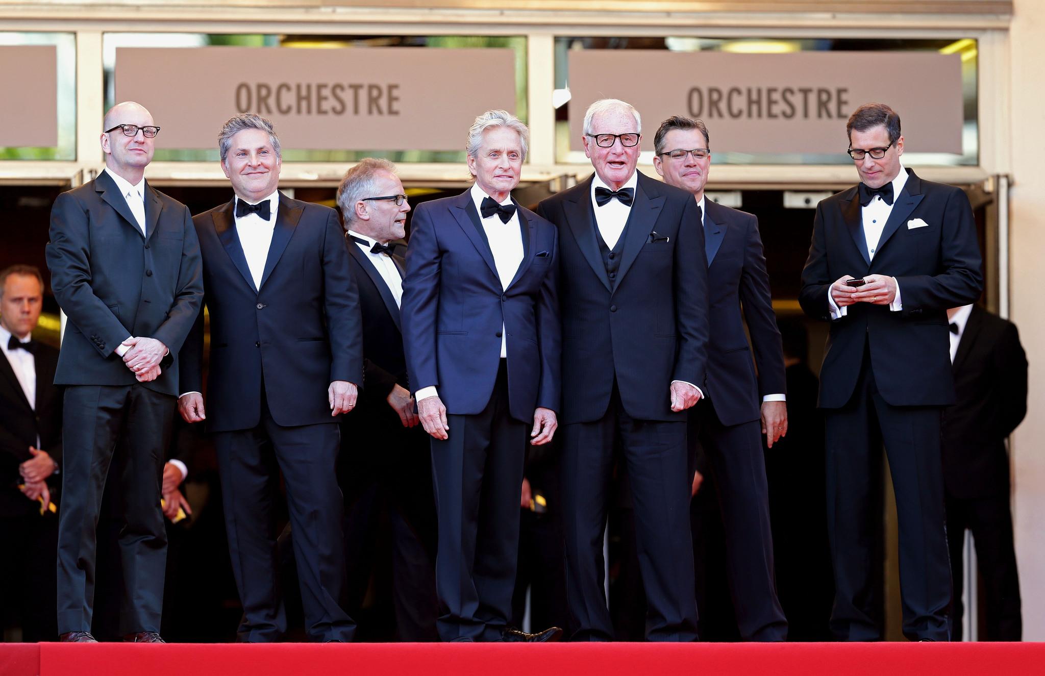 Michael Douglas, Matt Damon, Steven Soderbergh, Jerry Weintraub, Richard LaGravenese and Scott Thorson at event of Behind the Candelabra (2013)