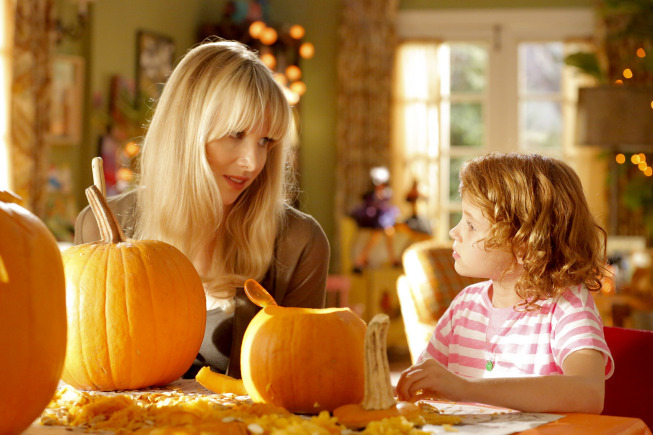 Still of Lucy Punch and Maggie Elizabeth Jones in Ben and Kate (2012)