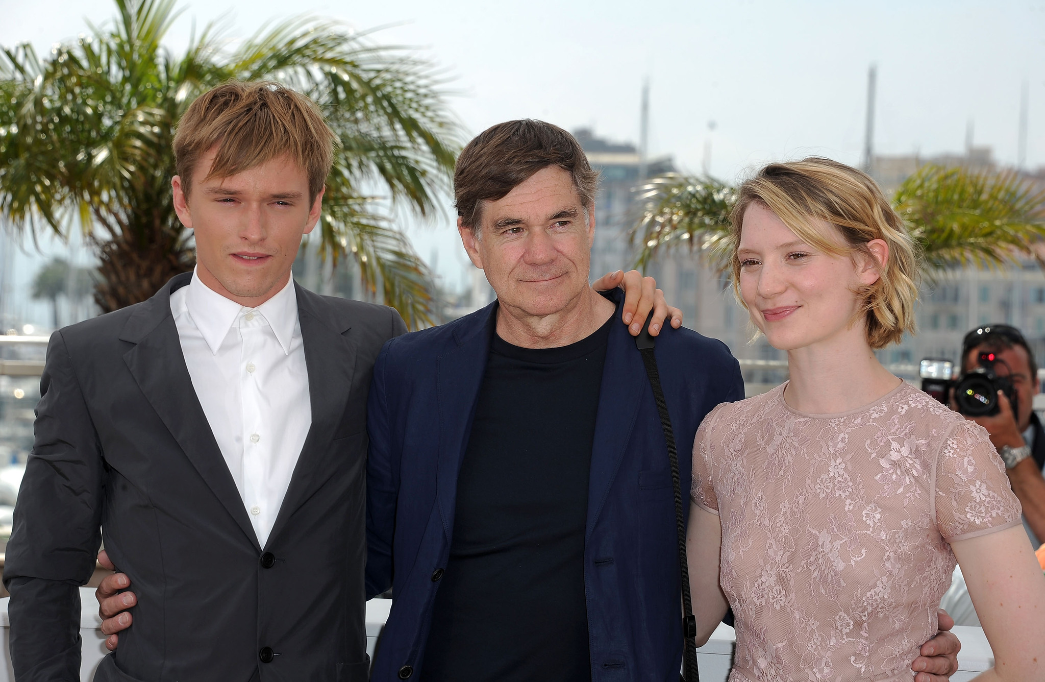 Gus Van Sant, Henry Hopper and Mia Wasikowska at event of Restless (2011)