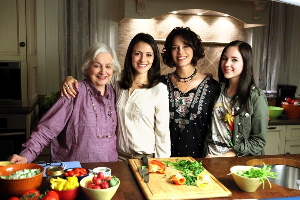Still of Mary Page Keller, Mary Page, Rebecca Schull, Haley Ramm and Italia Ricci in Chasing Life (2014)