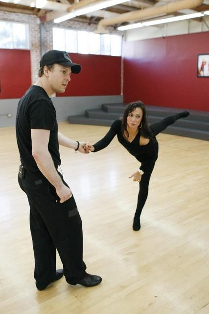 Still of Gavin DeGraw and Karina Smirnoff in Dancing with the Stars (2005)