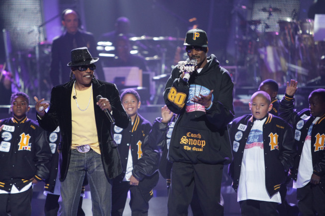 Still of Snoop Dogg and Charlie Wilson in American Idol: The Search for a Superstar (2002)