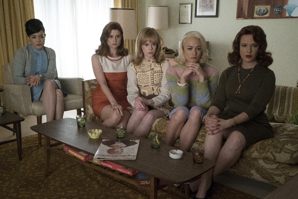 Still of JoAnna Garcia Swisher, Erin Cummings, Azure Parsons, Yvonne Strahovski and Zoe Boyle in The Astronaut Wives Club (2015)