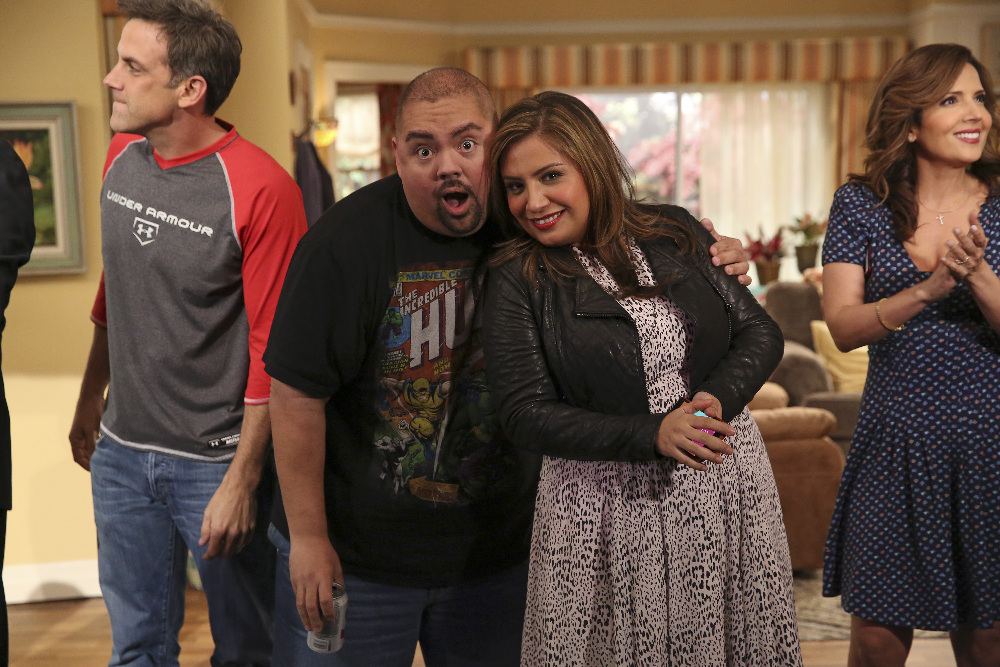 Still of Carlos Ponce, Maria Canals-Barrera, Gabriel Iglesias and Cristela Alonzo in Cristela (2014)