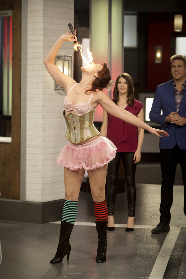 Still of Gail Simmons and Curtis Stone in Top Chef Duels (2014)