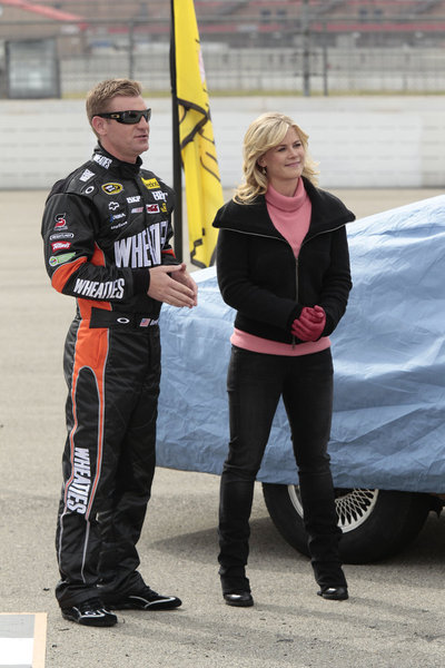 Still of Alison Sweeney and Clint Bowyer in The Biggest Loser (2004)