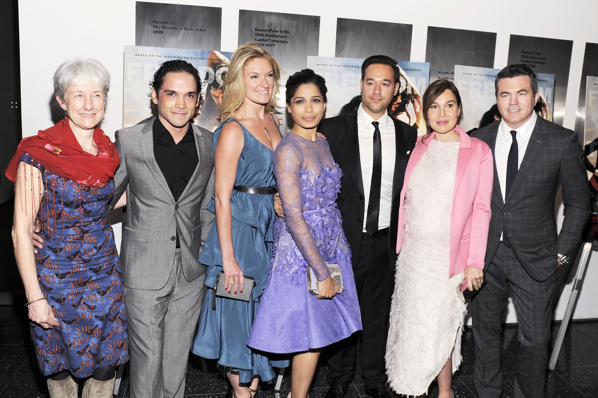 Pippa Cross, Tucker Tooley, Richard Raymond, Reece Ritchie, Freida Pinto, Sarah Arison and Fabiola Beracasa at event of Desert Dancer (2014)
