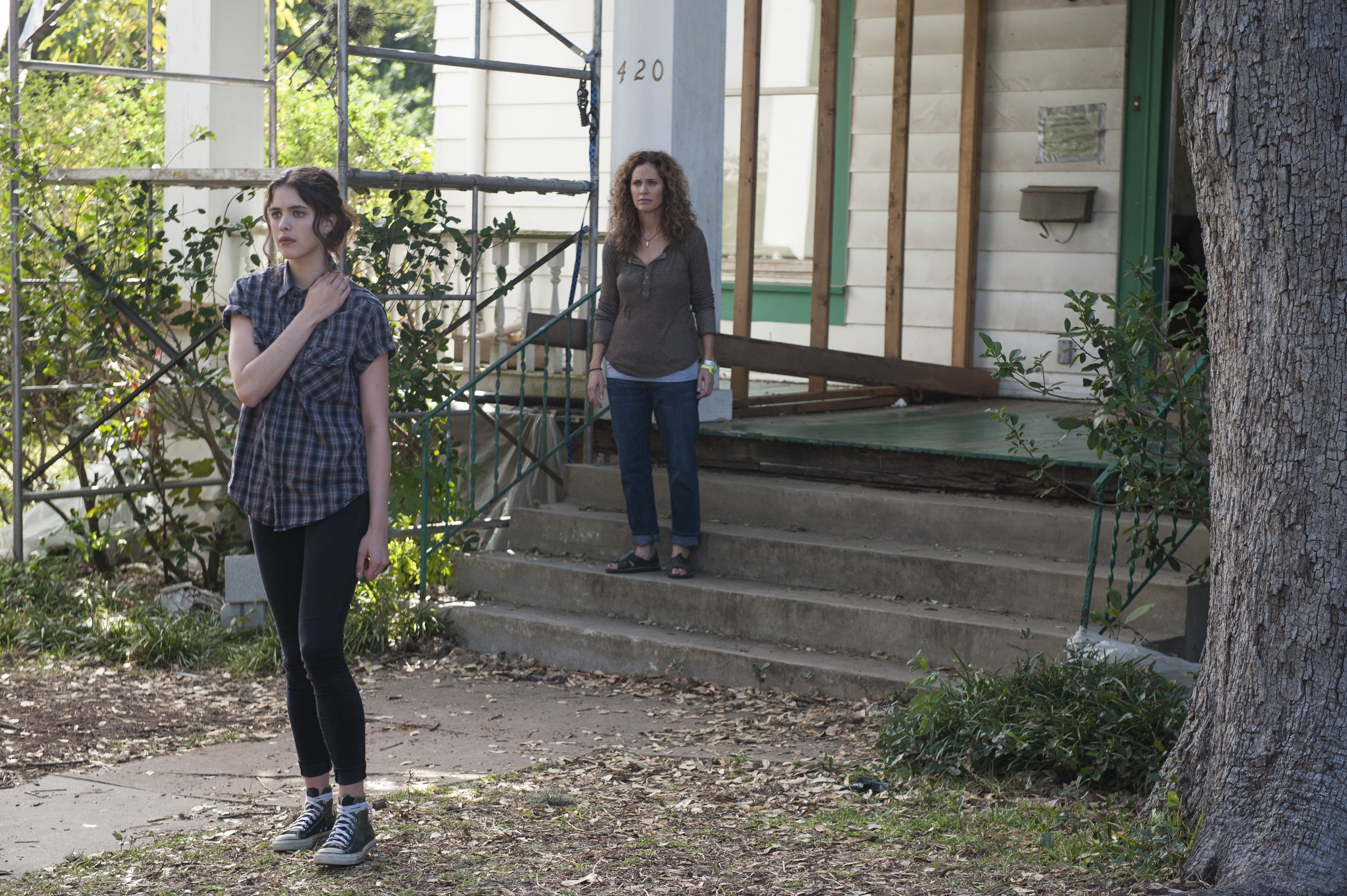 Still of Amy Brenneman and Margaret Qualley in The Leftovers (2014)