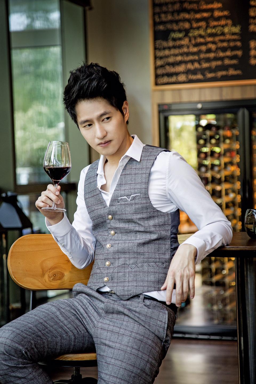 Simon Twu (涂世旻) (Twu Shih Min) in Rise of a Tomboy (女漢子完美戀人)