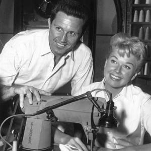 Doris Day John Raitt On the set of Pajama Game 1957