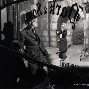 Still of Alec Guinness and David McCallum Sr. in Last Holiday (1950)