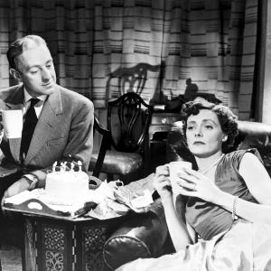 Still of Alec Guinness and Celia Johnson in The Captain's Paradise (1953)