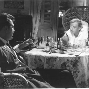 Still of Alec Guinness and Ernie Kovacs in Our Man in Havana (1959)