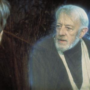 Still of Alec Guinness in Zvaigzdziu karai. Dzedajaus sugrizimas (1983)