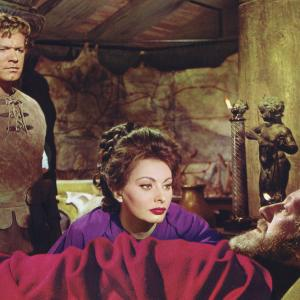Still of Alec Guinness, Sophia Loren and Stephen Boyd in The Fall of the Roman Empire (1964)