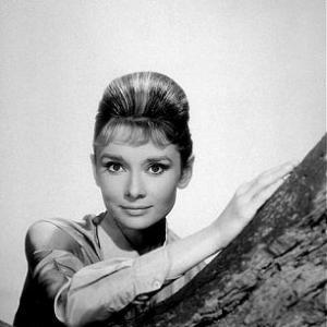 332304 Audrey Hepburn