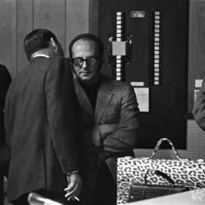 Frank Sinatra with Mo Ostin during recording session