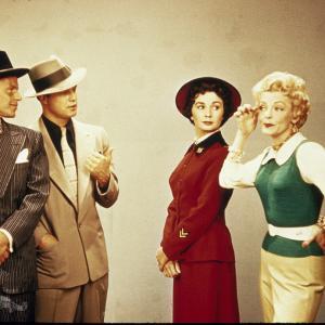 Still of Marlon Brando, Frank Sinatra, Jean Simmons and Vivian Blaine in Guys and Dolls (1955)