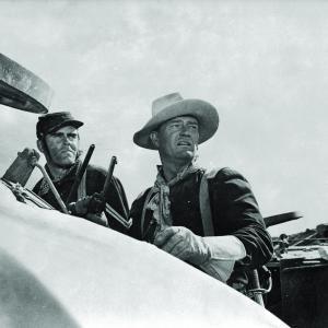 Still of Henry Fonda and John Wayne in Fort Apache 1948