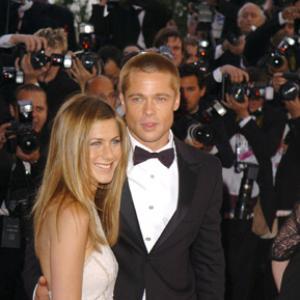 Brad Pitt and Jennifer Aniston at event of Troy 2004