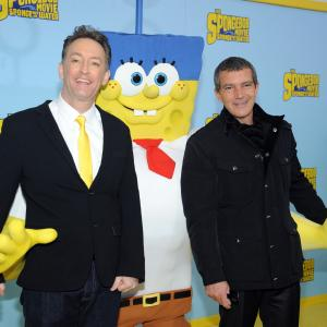 Antonio Banderas, Tom Kenny