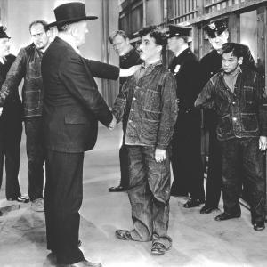 Still of Charles Chaplin in Modern Times 1936