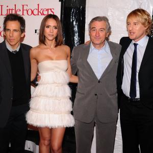 Robert De Niro Ben Stiller Jessica Alba and Owen Wilson at event of Paskutinis tevu isbandymas Mazieji Fakeriai 2010