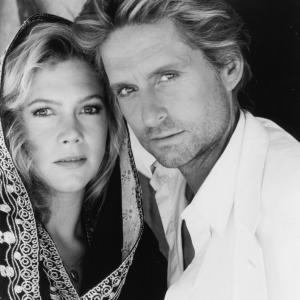 Still of Michael Douglas and Kathleen Turner in The Jewel of the Nile 1985