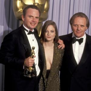 Jodie Foster, Anthony Hopkins, Michael Blake