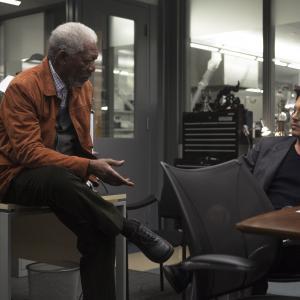 Still of Johnny Depp and Morgan Freeman in Viespatavimas (2014)