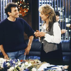Still of Helen Hunt and Paul Reiser in Mad About You 1992