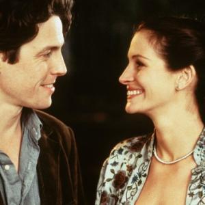 Still of Julia Roberts and Hugh Grant in Notting Hill 1999
