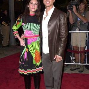 Julia Roberts and Benjamin Bratt at event of Red Planet 2000